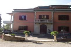 villa to buy