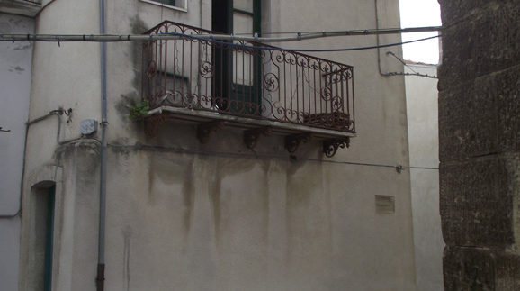traditional house to buy in Italy