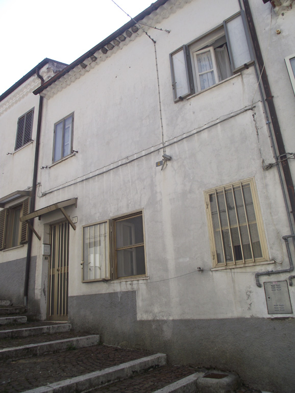 Italian house with attic in Molise, San Pietro Avellana (Nino)