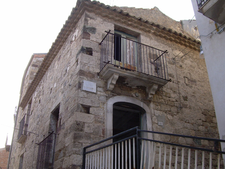Town House in Italy Casa del Fornaio – Civitacampomarano