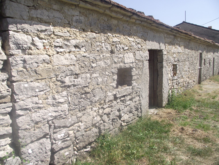 Affordable country home to restore in Italy Molise, Carovilli (Pinna)
