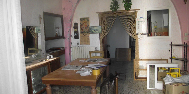 Italian town house to sell