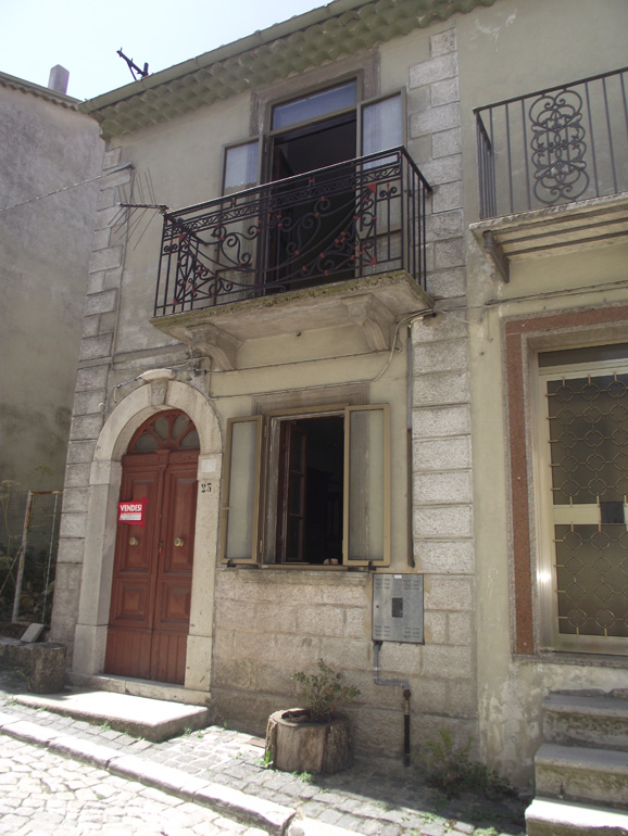 Small town house to buy in Italy with fireplace and small terrace Molise, Carovilli (Pineta)