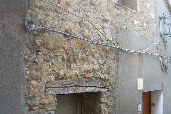 house to restore in italy