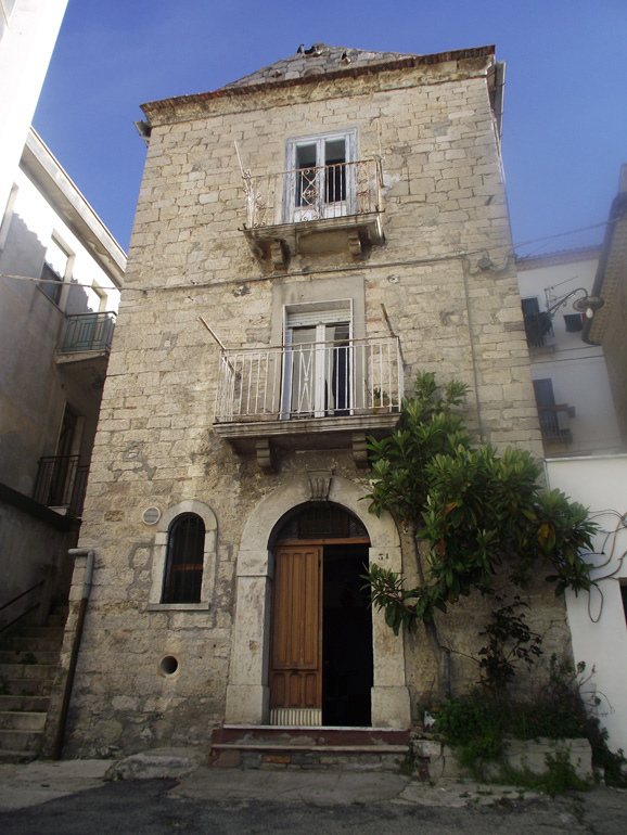 Italian town house to sell with double entrance in Italy Molise, Casacalenda (Nube)