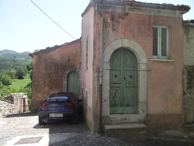 Traditional house for sell with large garden in Italy Molise, Roccasicura (Bice)