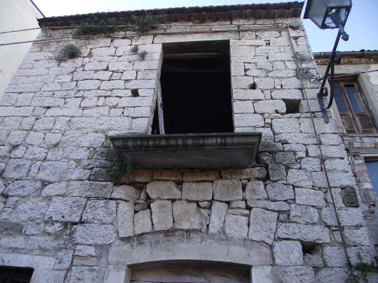 Small stone house to buy in Italy Molise, Castelbottaccio (Pietra)