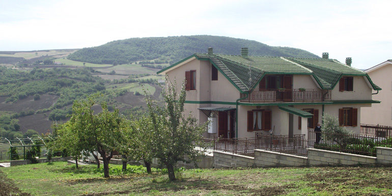 Italian villa for sale