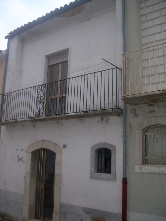 Large town house with balcony Italy Molise, Sant'Elia a Pianisi