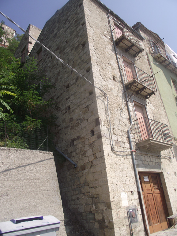 Stone house with huge cellar and panoramic views in Italy Molise, Civitacampomarano (Nicoletta)