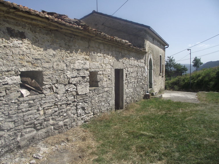 Two rooms rural property to buy in Italy Molise, Carovilli (Corsi)