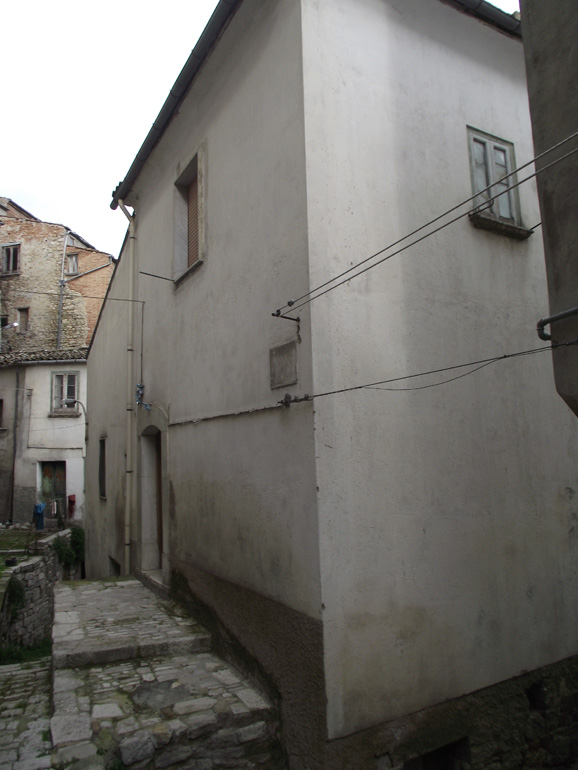 Property for sale Italy-Habitable two bed house in Molise, Ripalimosani (Rosetta)