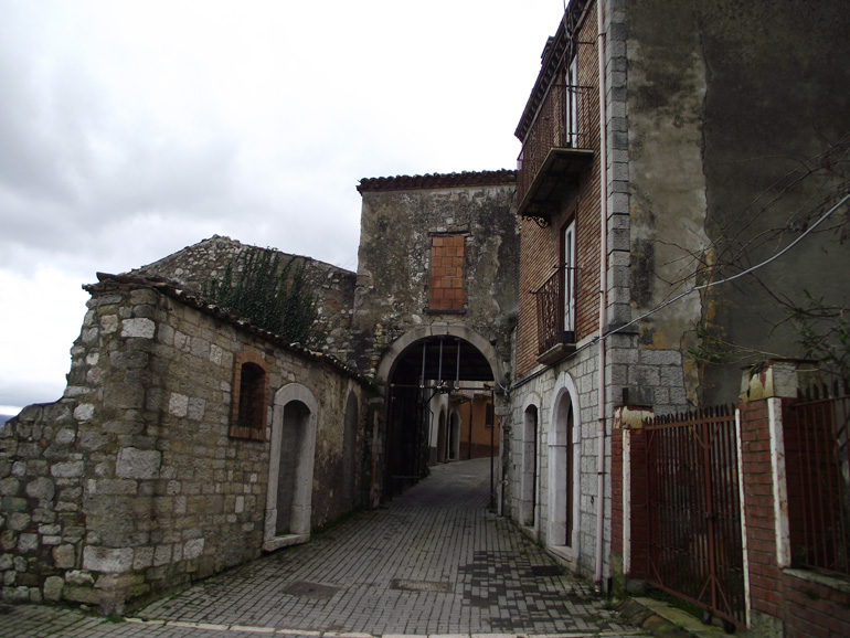 Ancient town home to restore in Italy Molise, Limosano (Arco)