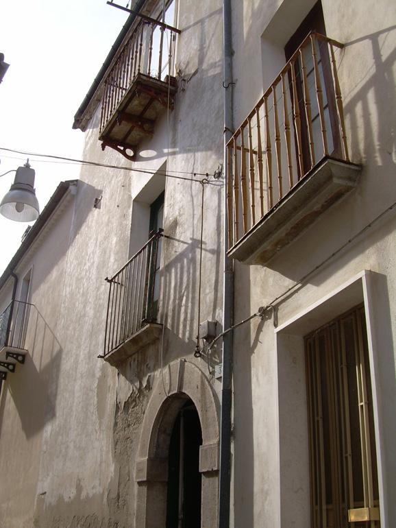 Town House to buy in Molise Casa Giglio – Civitacampomarano