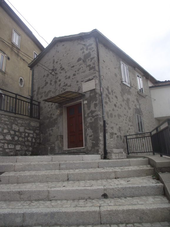 Vacation house for sale in Italy in a medieval town Molise, Vastogirardi (Mariani)