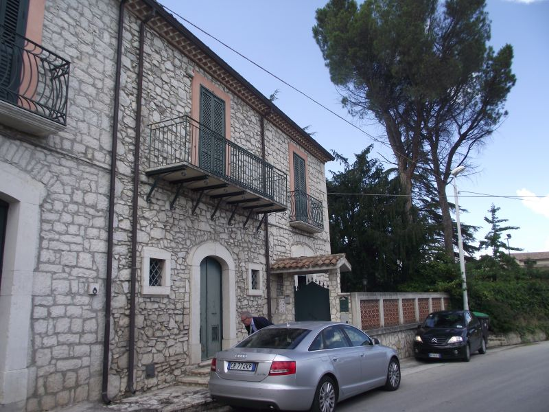 Superb stone Italian villa for sale with large fenced garden in Campobasso Molise Villa Pietra