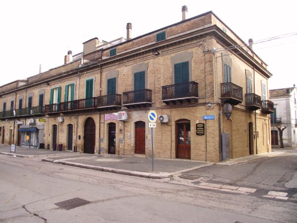 Ancient palazzo with four beds and terraces Serracapriola Apulia- De Luca