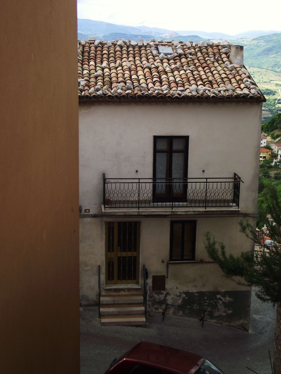 Three bed town house to buy with panoramic view in Molise