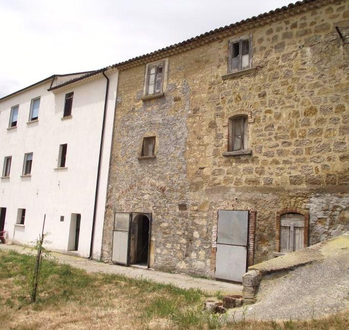 Two rural houses to be restored with private courtyard for sale in Molise-Salcito-Grillo