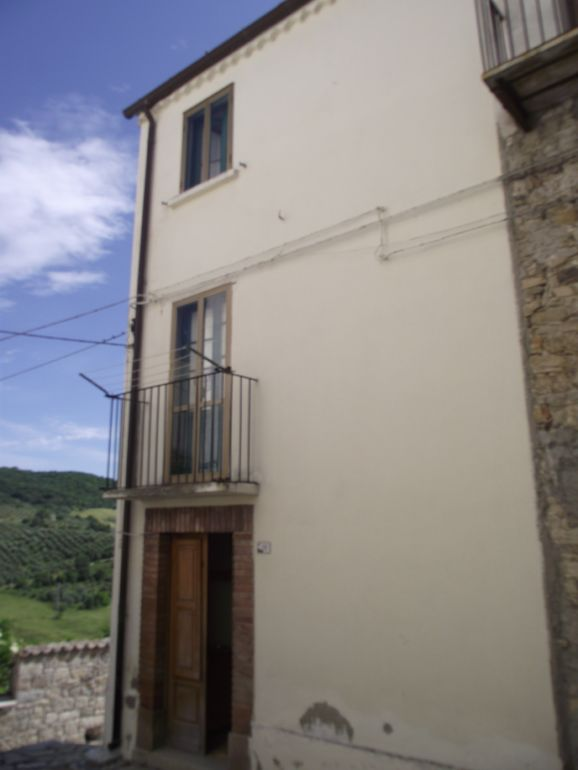 House for sale in Molise with panoramic view – Luca
