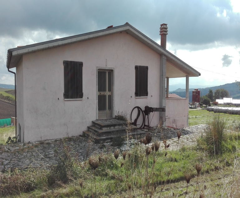 Farmhouse for sale with land – Fango
