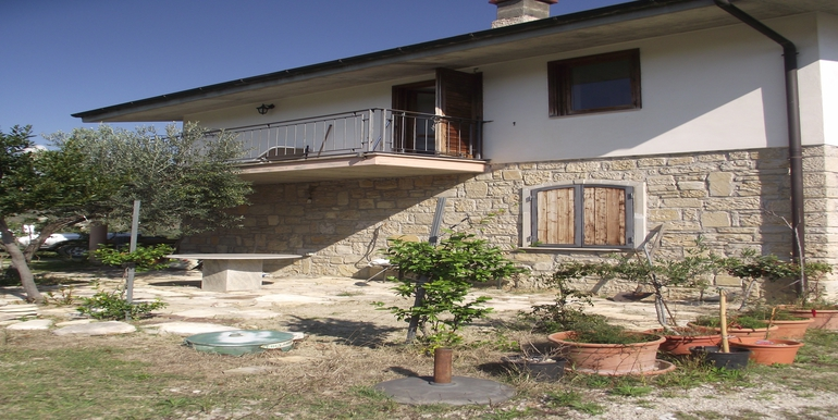 villa for sale in Molise