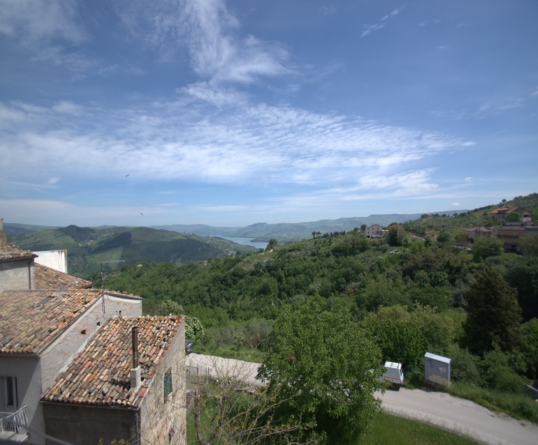 Historical palazzo with large garden and lake view – Guglielmo