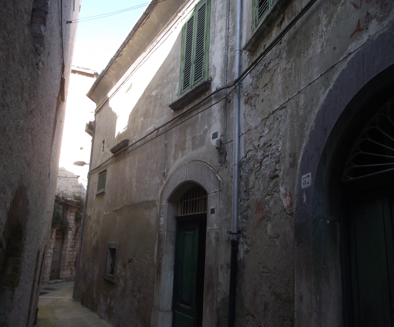 Old palazzo to buy in Molise with panoramic view – Pece