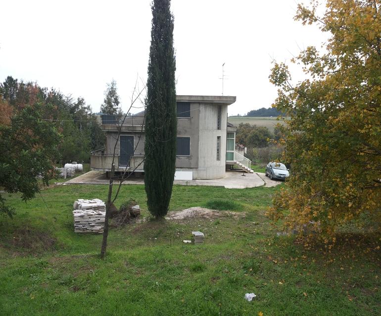 6 bed villa to buy in Termoli