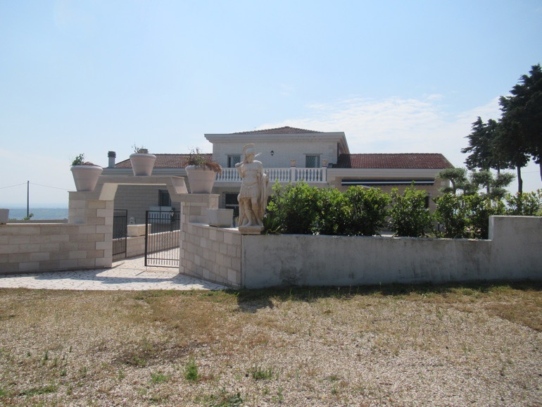 Villa in Molise, 4 beds 3 baths – Sole